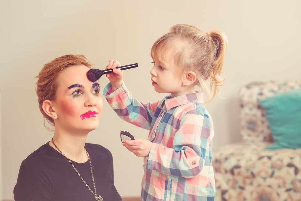 little girl makeup mother
