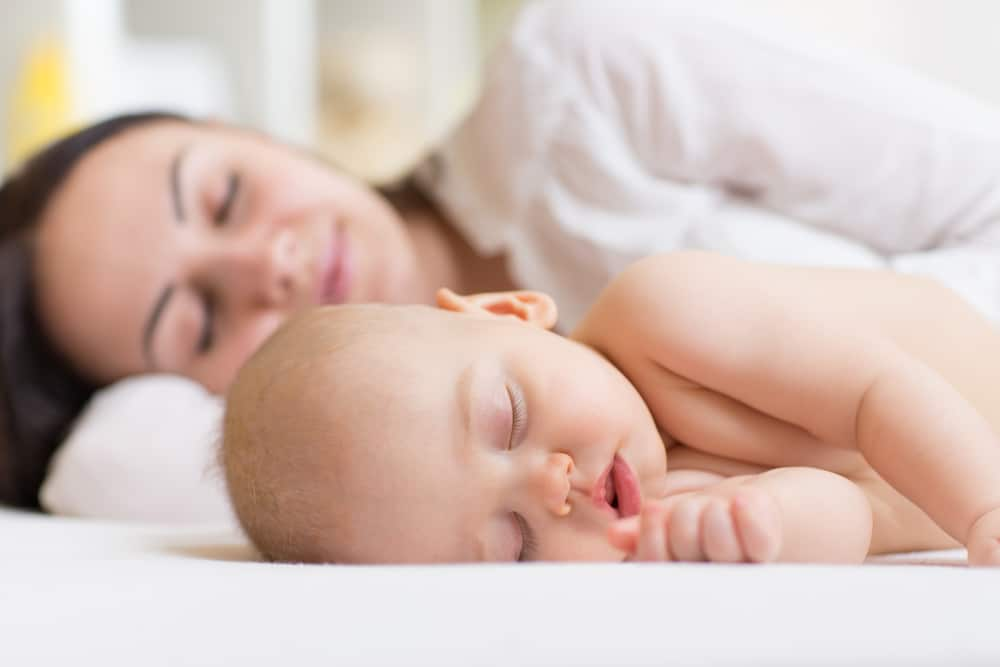 mother and baby cosleeping
