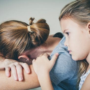 daughter console mother