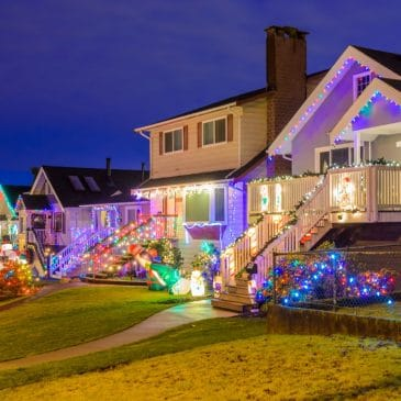 house with xmas lights