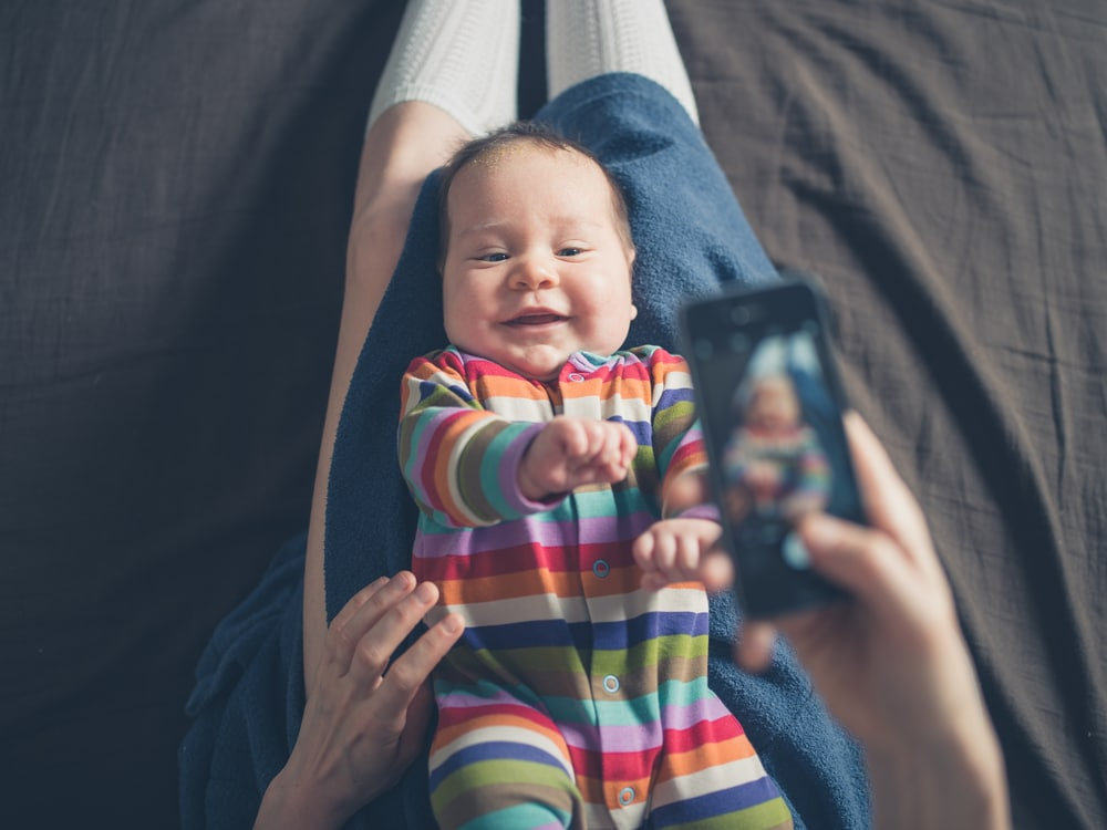 mother baby cellphone