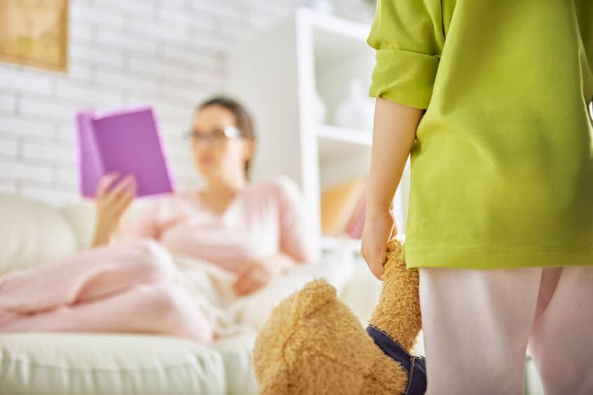 maman coupable livre enfant seul