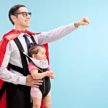 papa bébé héros