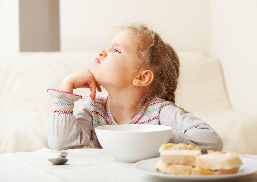 enfant mange pas