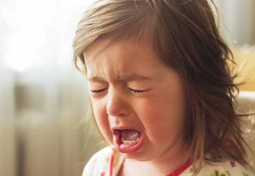 enfant pleure