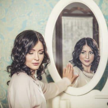 femme reflet