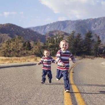 deux garcons route