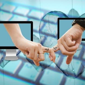 couple en ligne doigts