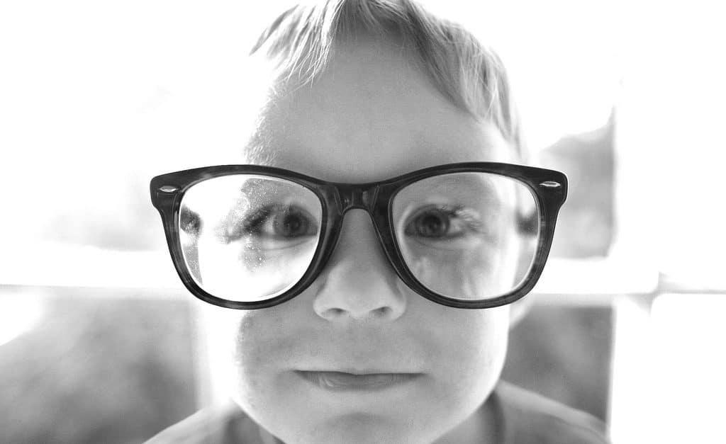 enfant lunettes