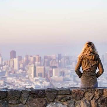 femme ville seule