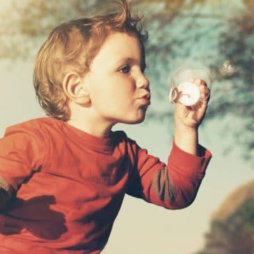 enfant bulle savon