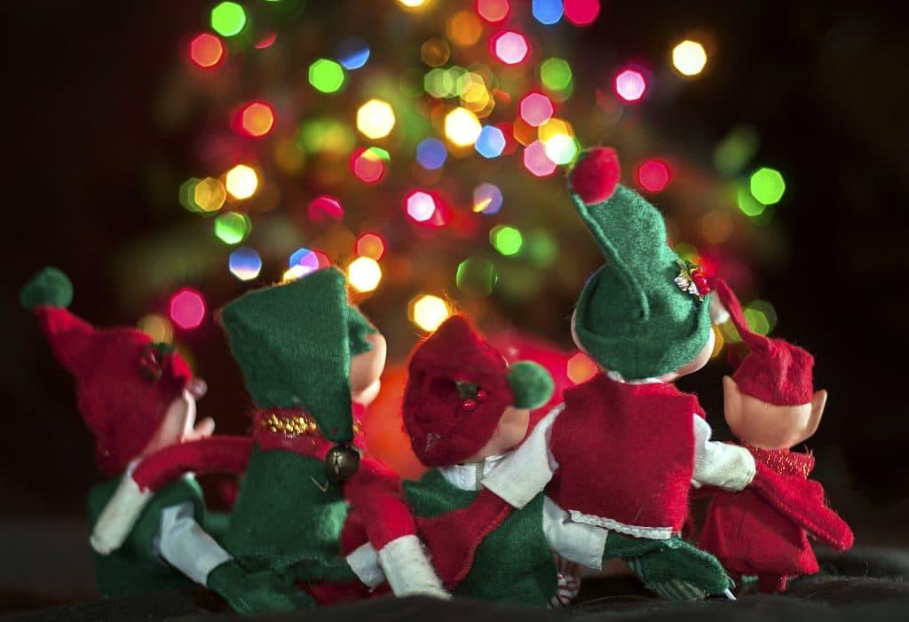 xmas elfs together