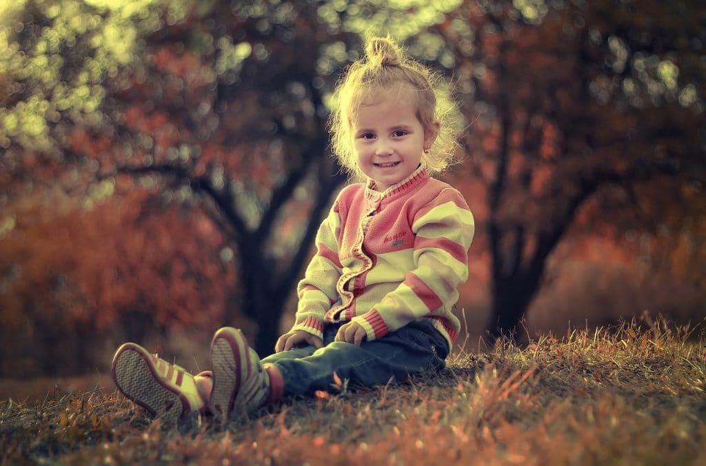 little girl sit fall