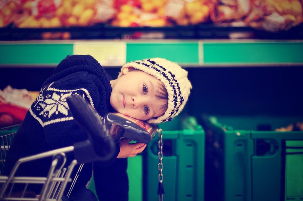 little kid shopping cart