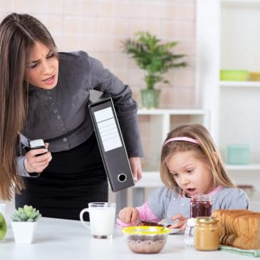 business mother at home
