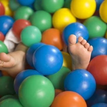 balls pool feet
