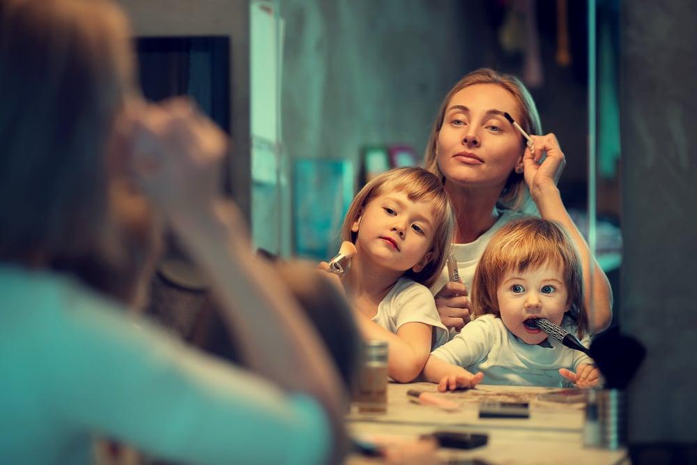 mother makeup with kids