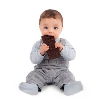 baby eat chocolate