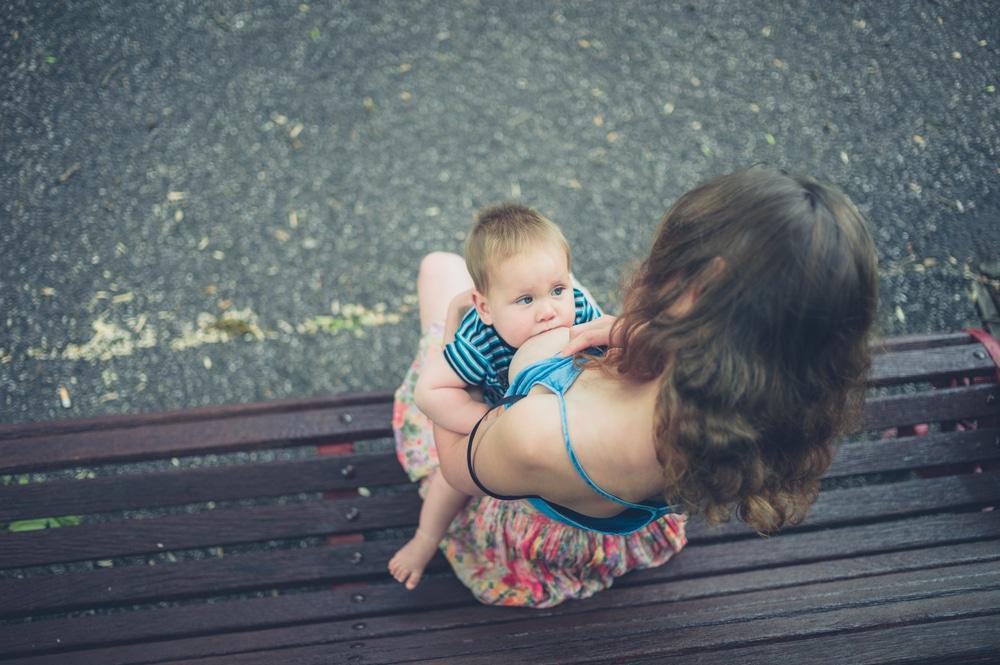 breastfeeding outside