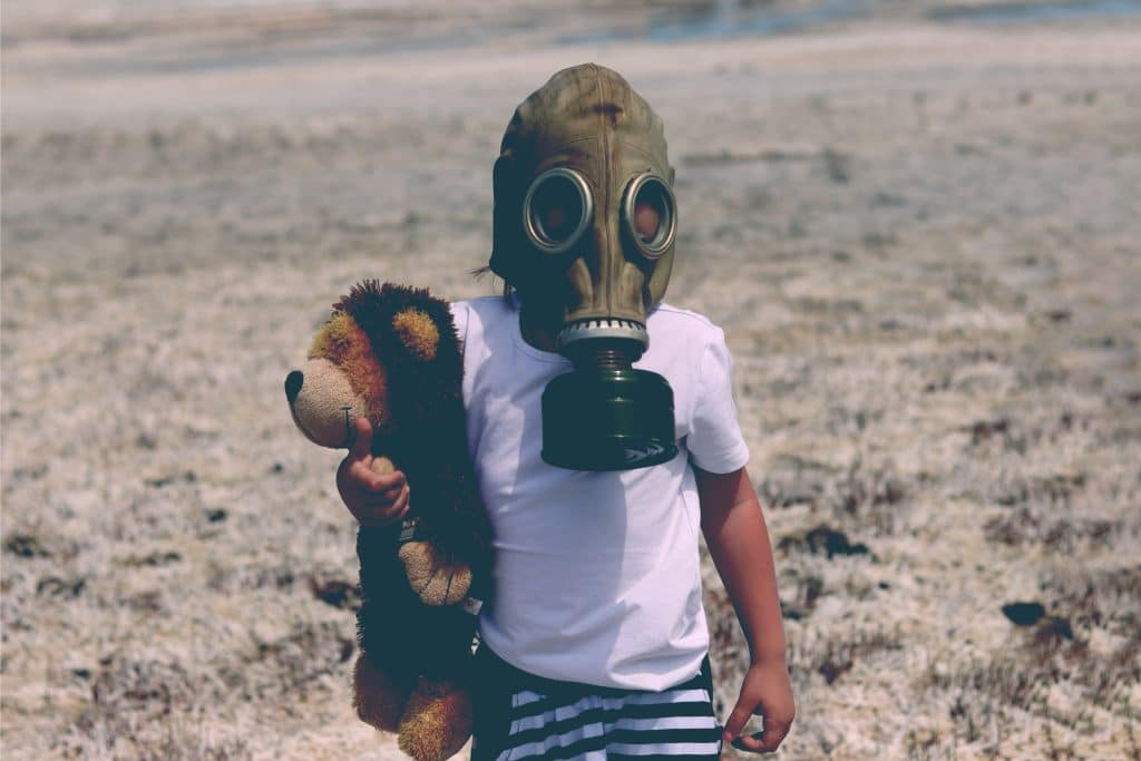 kit with gas mask