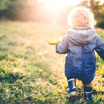 little kid walk ayway sun