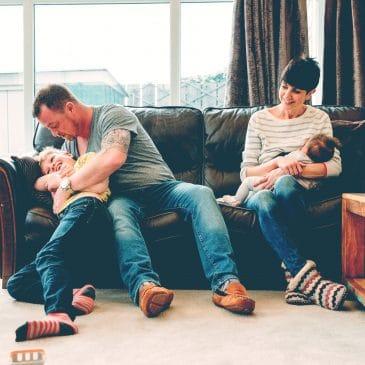mère père enfant bébé être parent