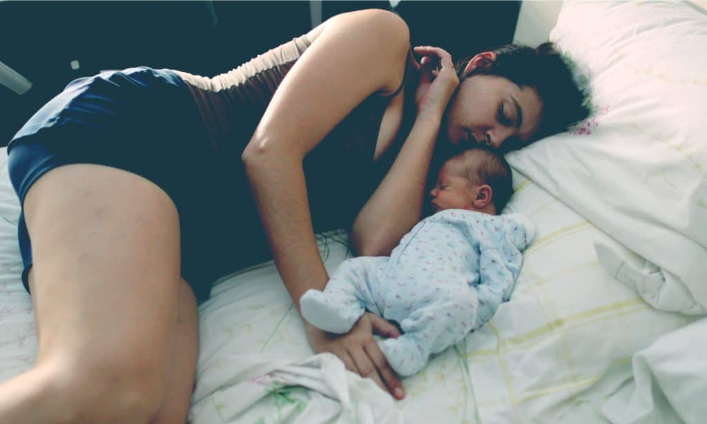 mother sleep with baby