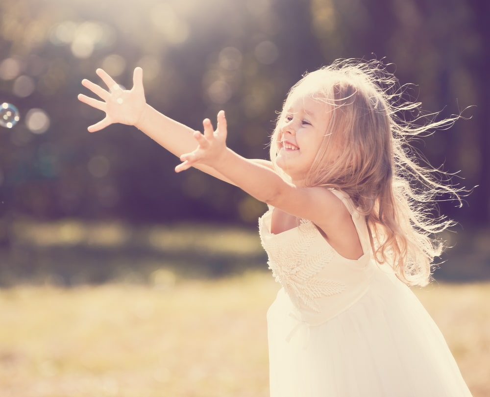 amazed little girl